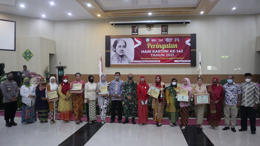 Herike Ayu Putri Dan Susanti Juarai Lomba Kebaya Kartini