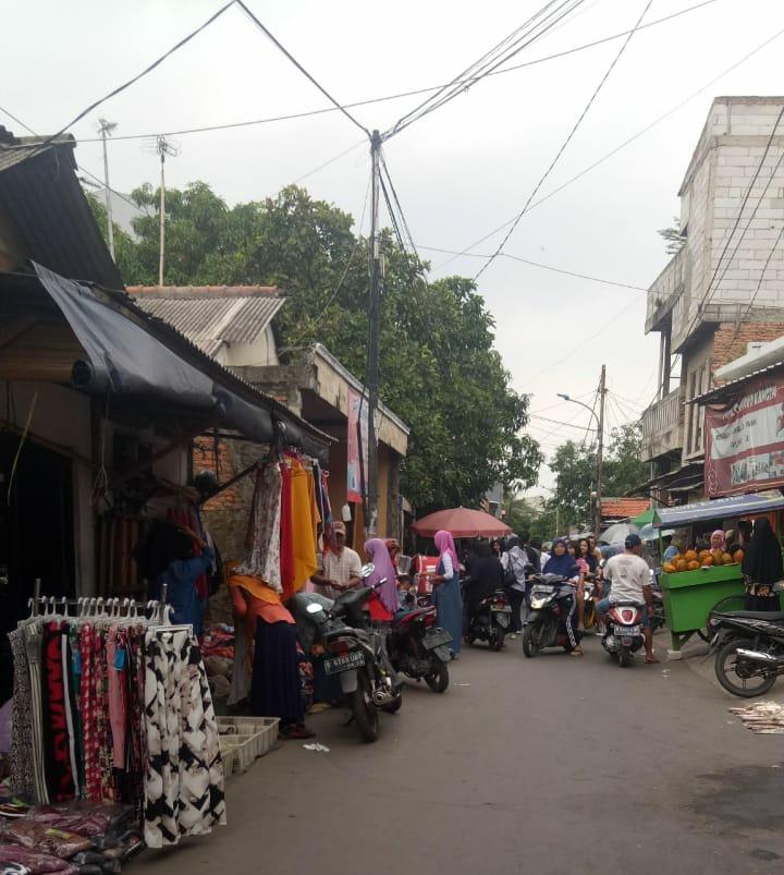 Marak Lapak Para PKL Berdiri Di Atas Trotoar Semper Timur Cilincing Di Duga Aman Dari Aparat
