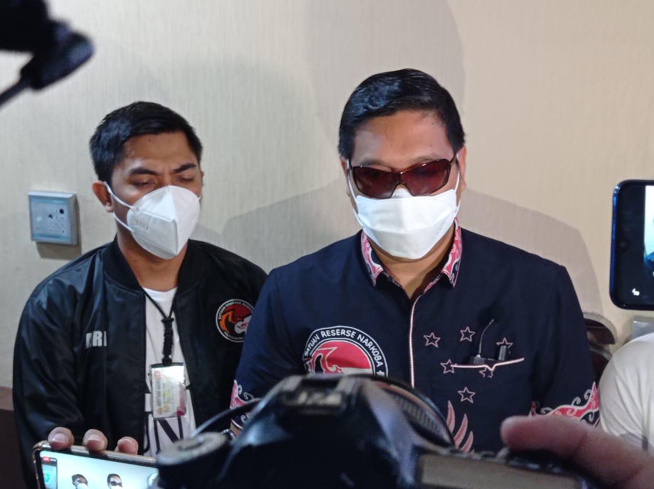 Artis Js Jalani Pemeriksaan Kesehatan Di Polres Metro Jakarta Barat