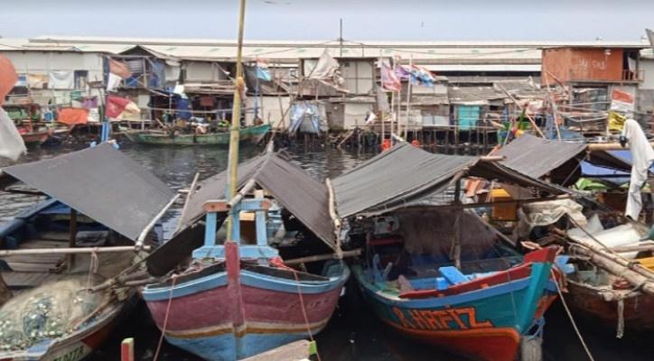 Nelayan di Cilincing Tak Gentar Mudik Lebaran Gunakan Perahu ke Cirebon Cuaca Buruk