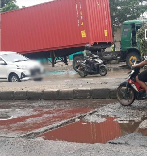 Jalan Marunda Diperbaiki Dan Jalur Sepeda Motor Diterapkan