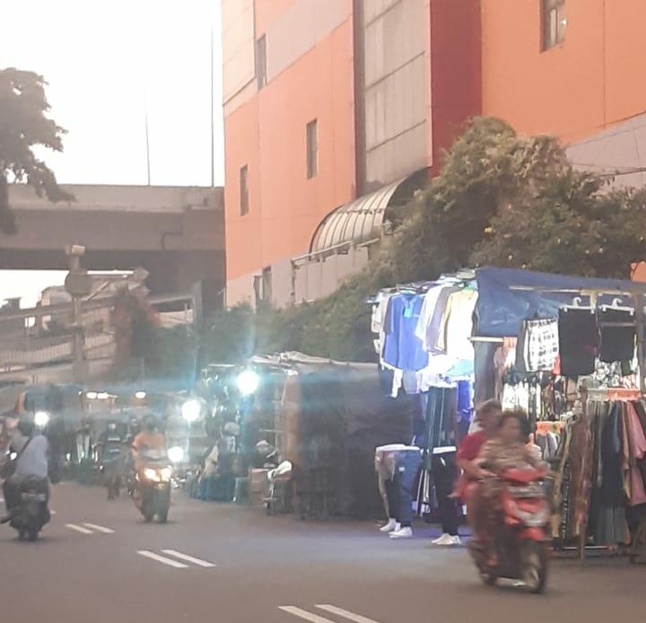 Marah PKL Jakarta Utara Diduga Abaikan Prokes PSBB Covid-19