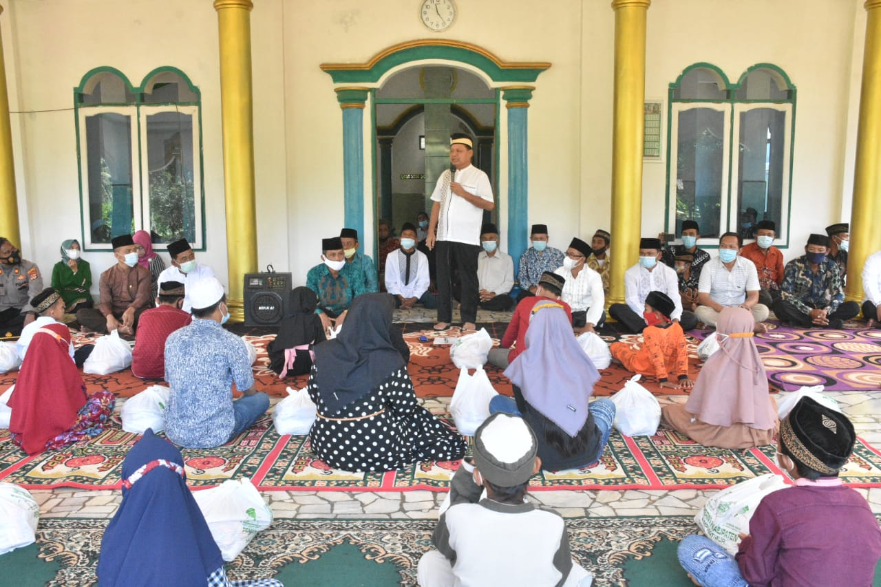 Bantuan dan Santunan Diserahkan Bupati Lampung Timur