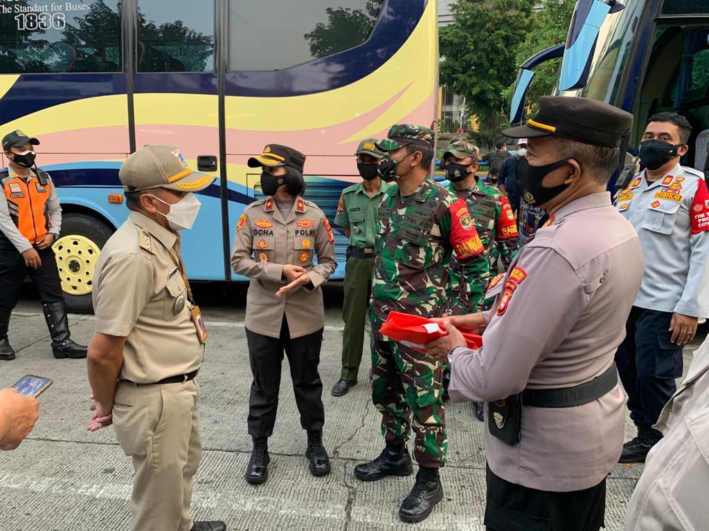 Menjelang Hari Raya, Polsek Tanjung Duren Bersama 3 Pilar Meninjau Pos Pengamanan