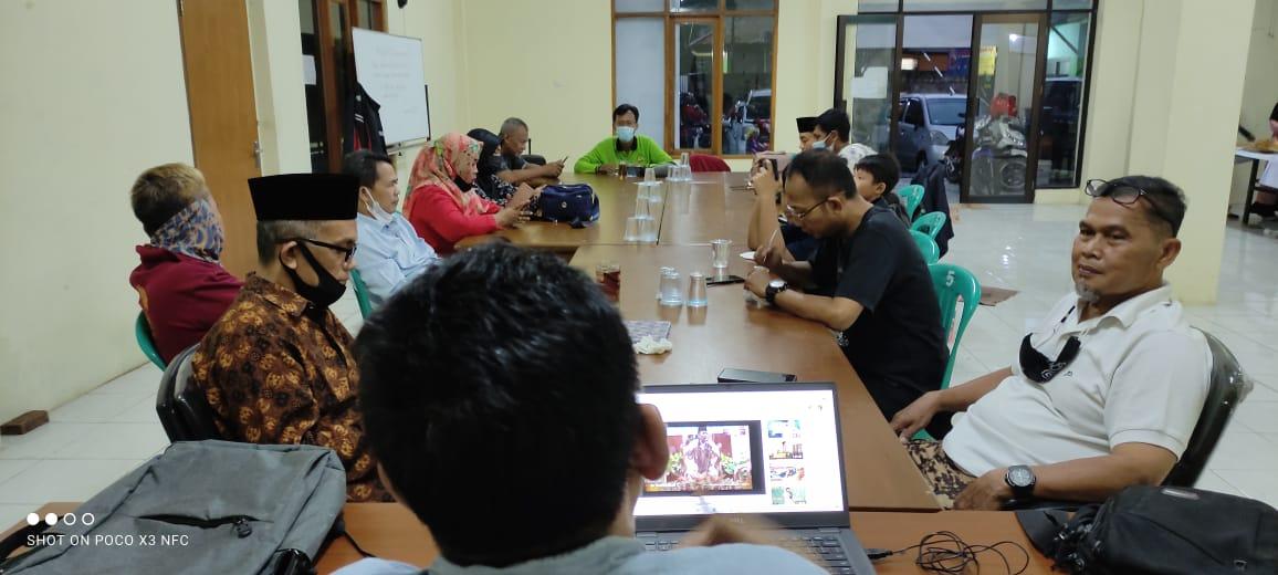 Bukber Pengurus PGRI Cabang Kecamatan Cibinong & Bagi THR