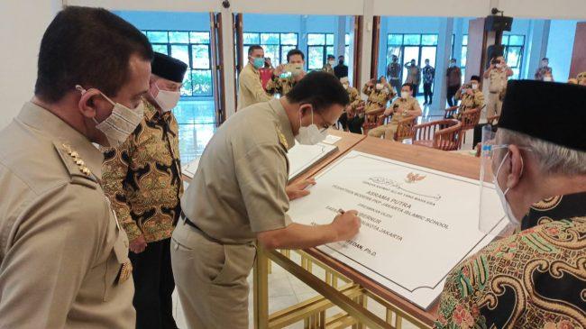 Gubernur DKI Jakarta Resmikan Gedung Asrama Santri Pesantren Modern PKP Jakarta Islamic School