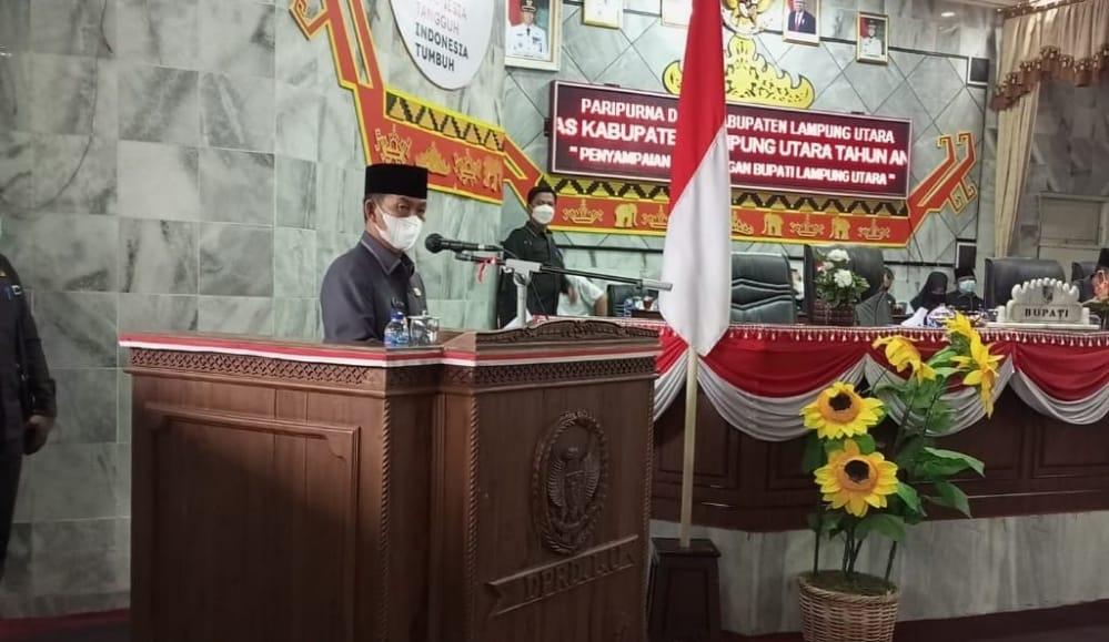 Paripurna DPRD Lampung Utara, Bupati Berikan Keterangan KUA-PPAS Perubahan Anggaran Tahun 2021