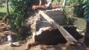 Program Samisade, Pemdes Nanggerang Bangun TPT dan Jembatan