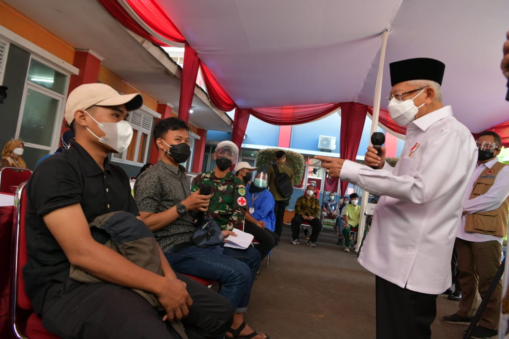 Wakil Presiden RI Ma'ruf Amin Kunjungi Kegiatan Vaksinasi Masal Annisa Grup
