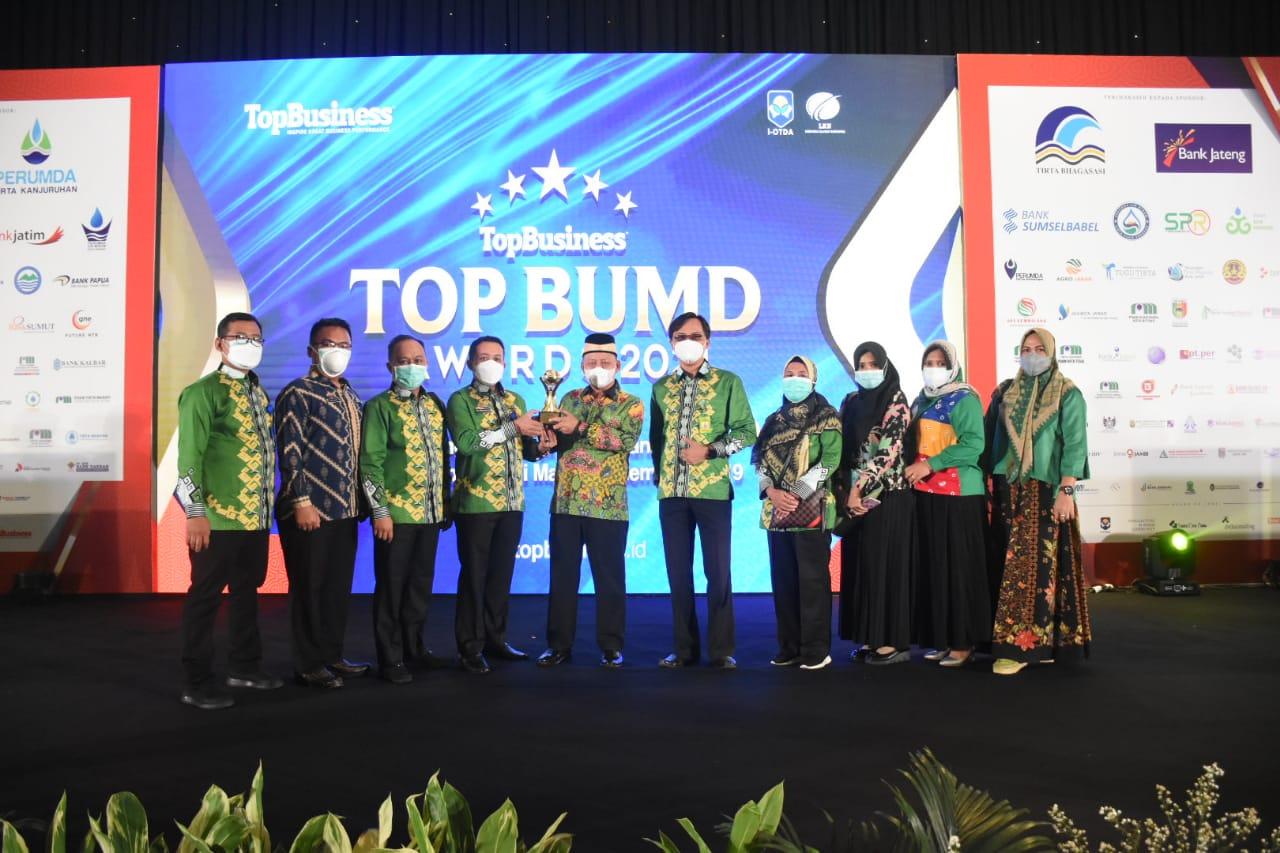 Acara Puncak Penghargaan TOP BUMD Awards 2021 Dihadiri Bupati
