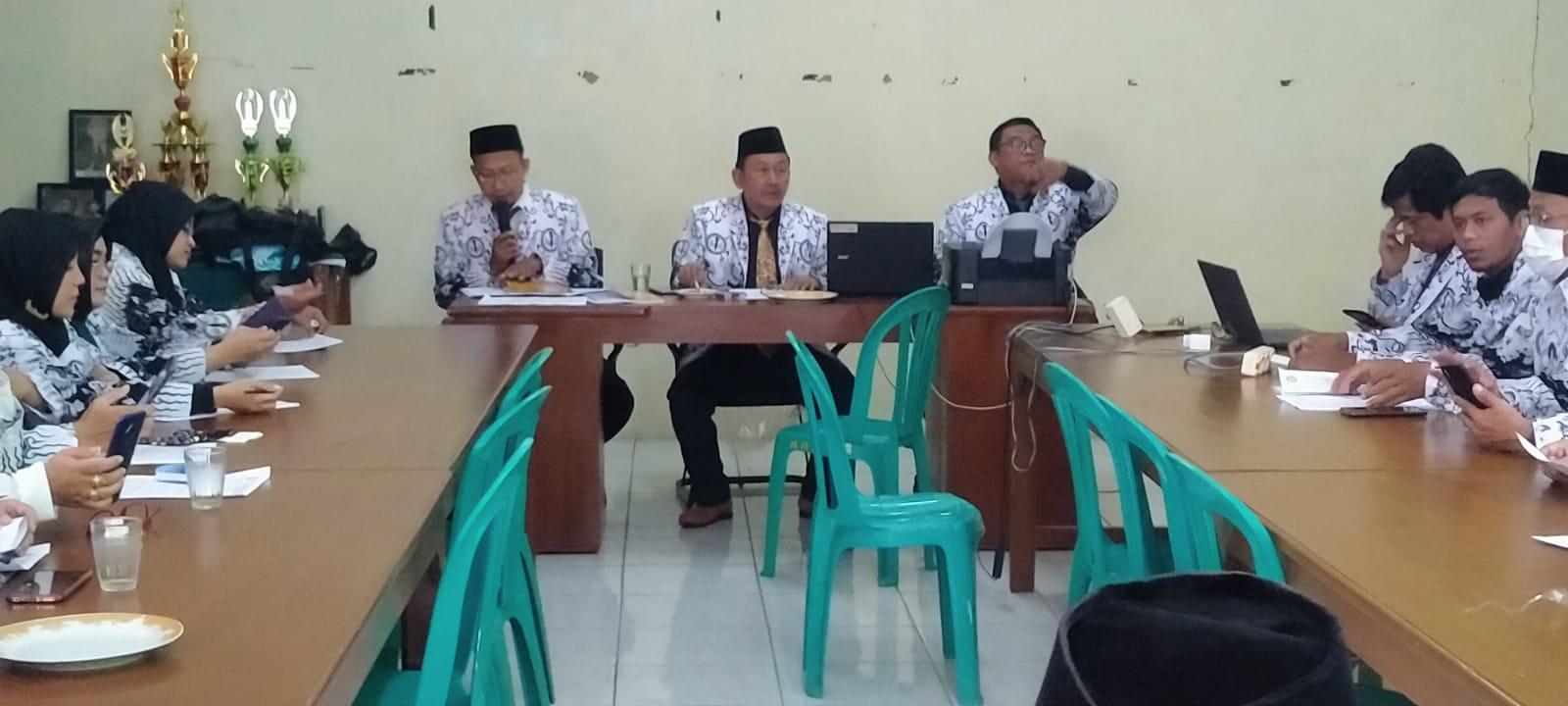Rapat Pleno PGRI Cabang Cibinong