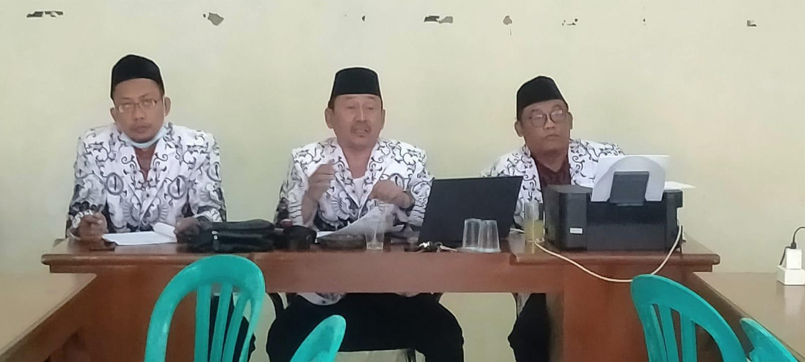 Rapat Pleno Pengurus Cabang Cibinong Dengan Pengurus Ranting PGRI