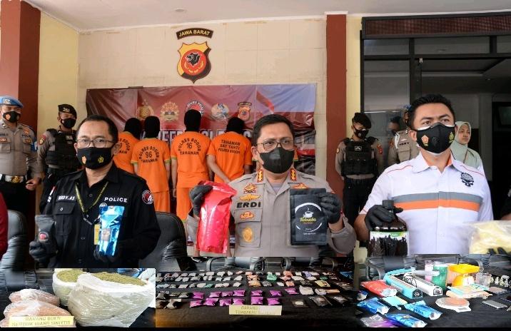 Polres Bogor Bersama Direktorat Narkoba Polda Jabar Ungkap Jaringan Gelap Narkotika